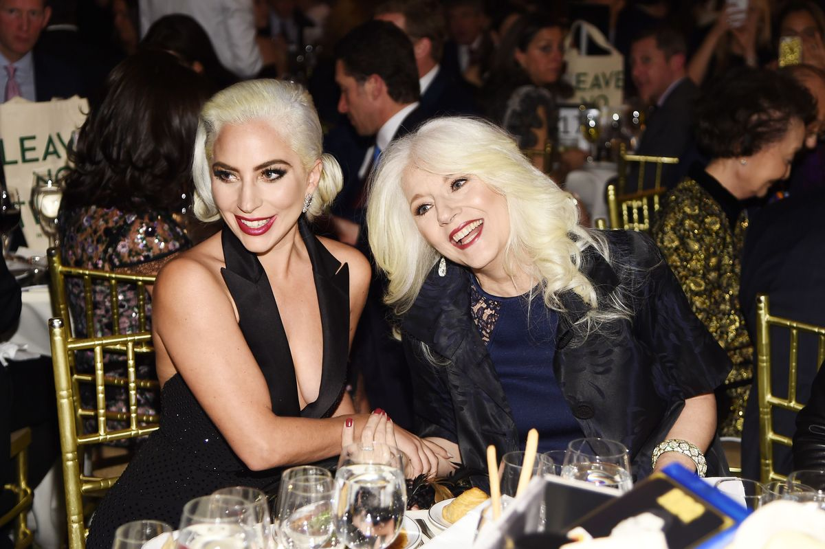 Lady Gaga's Born This Way Foundation lanserer en ny bok, Channel Kindness