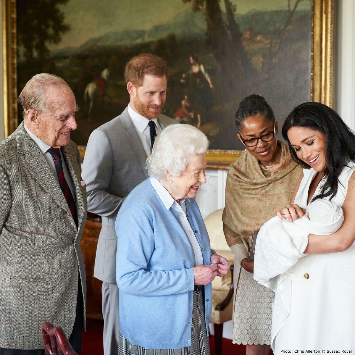 Ovako su kraljevski kraljevi upravo objavili iznenađujuće ime bebe Sussex