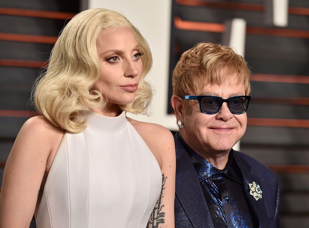 Mar a choimheadas tu cuirm-chiùil Elton John's iHeart Radio Living Room